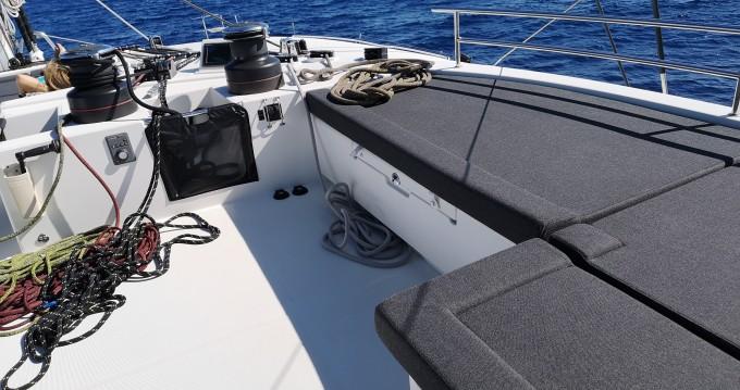 Rental yacht Lávrio - Lagoon Lagoon 620 on SamBoat