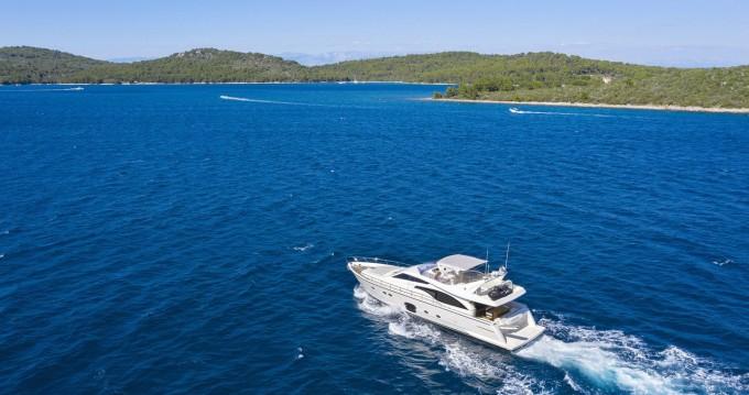 Rental Motorboat in Rijeka - Ferretti Ferretti Yachts 681