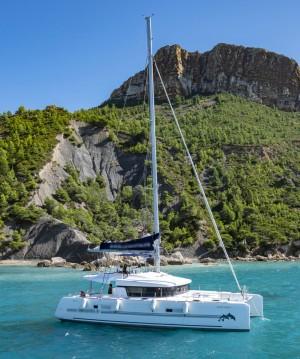Rent a Lagoon Lagoon 52 Old Port of Marseille