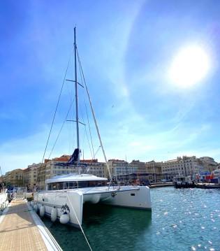 Boat rental Lagoon Lagoon 52 in Old Port of Marseille on Samboat