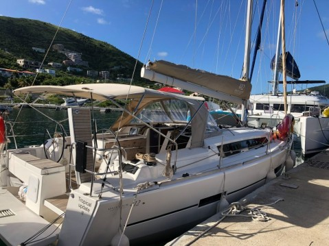 Dufour Dufour 412 Grand Large between personal and professional Anse Marcel