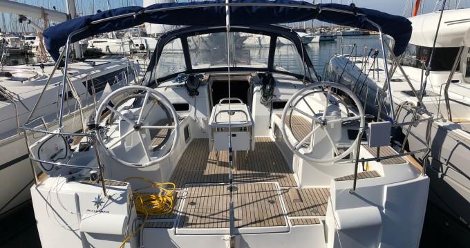 Boat rental Jeanneau Sun Odyssey 519 in Marina di Portorosa on Samboat