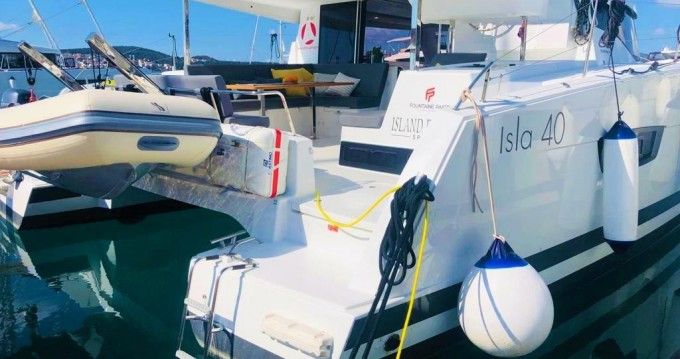 Boat rental Pomer cheap Fountaine Pajot Isla 40 - 3 cab.