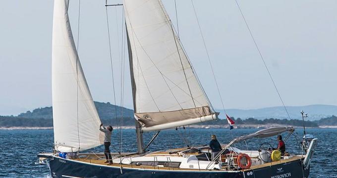 Rental Sailboat in Primošten - Dufour Dufour 560 GL - 4 + 1 cab.