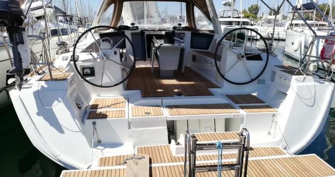 Rental yacht Lávrio - Bénéteau Oceanis 45 on SamBoat