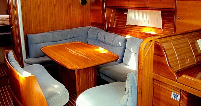 Boat rental Bavaria Bavaria 39 Cruiser in Betina on Samboat