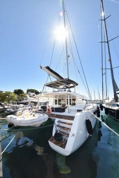 Boat rental Lagoon Lagoon 52 F in Zadar on Samboat