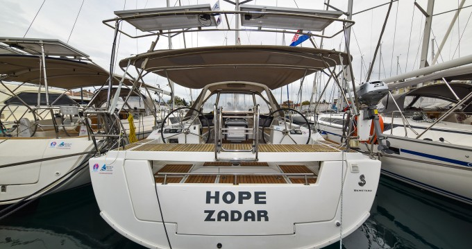 Rental Sailboat in Zadar - Bénéteau Oceanis 41