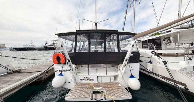 Boat rental Jeanneau Sun Loft 47 - 6 + 1 cab. in Zadar on Samboat