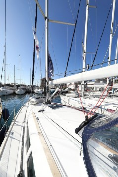 Rent a Jeanneau Sun Odyssey 39i Zadar