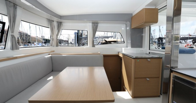 Boat rental Pula cheap Excess 12
