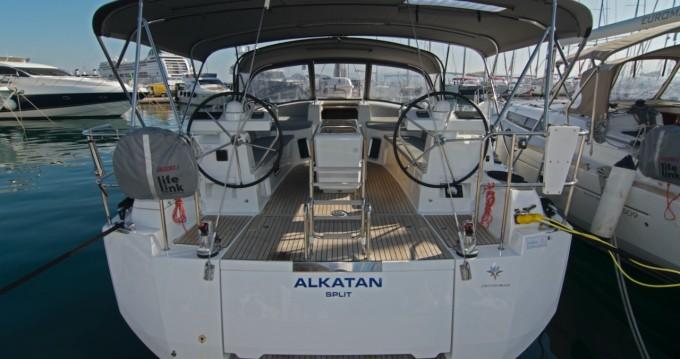 Boat rental Jeanneau Jeanneau 51 in Split on Samboat