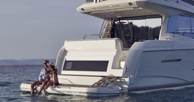 Rental yacht Split - Jeanneau Prestige 520 Flybridge on SamBoat