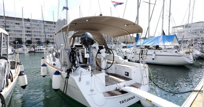 Boat rental Pula cheap Sun Odyssey 319