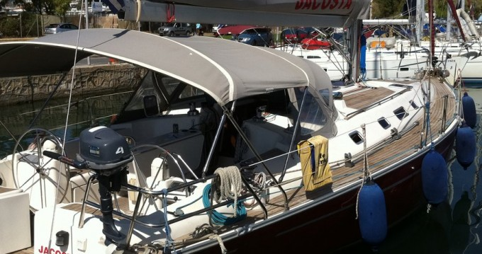 Sailboat for rent Foinikas at the best price