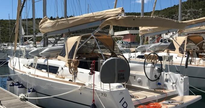 Boat rental Dufour Dufour 350 GL in Primošten on Samboat