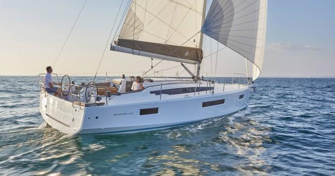 Jeanneau Sun Odyssey 410 between personal and professional Orhaniye
