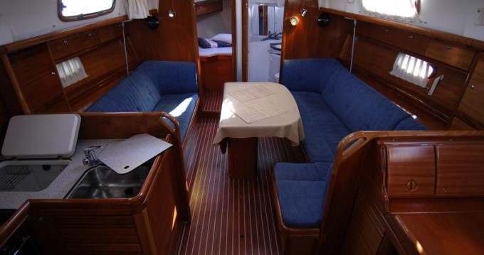 Rent a Bavaria Bavaria 37 Cruiser Rogoznica