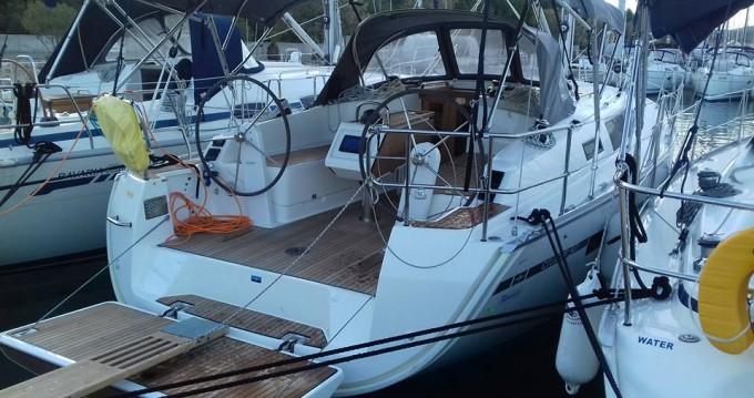 Rental yacht Rogoznica - Bavaria Cruiser 37 on SamBoat