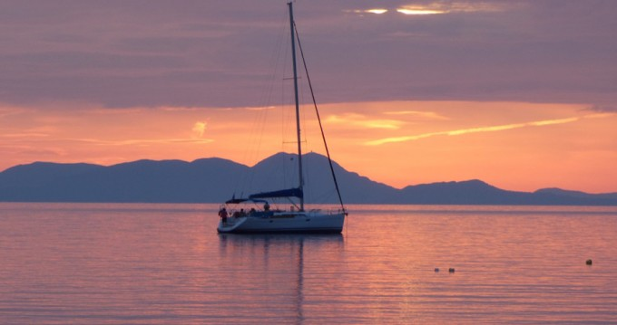 Rental Sailboat in Gouvia - Bavaria Bavaria 39 Cruiser