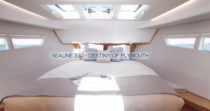 Rent a Sealine Sealine C330 Gouvia