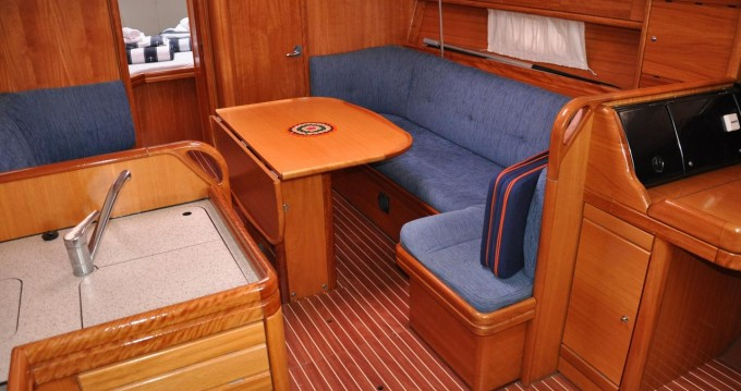 Rental Sailboat in Pirovac - Bavaria Bavaria 37 Cruiser