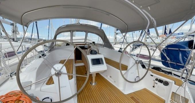 Rental yacht Biograd na Moru - Bavaria Cruiser 37 on SamBoat