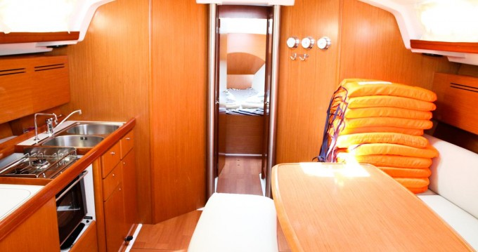 Rental Sailboat in Pirovac - Bénéteau Cyclades 43.4