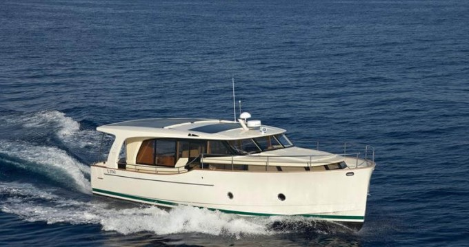 Motorboat for rent Biograd na Moru at the best price