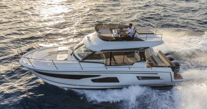 Boat rental Jeanneau Merry Fisher 1095 Fly in Pirovac on Samboat
