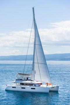 Boat rental Kaštela cheap Lagoon 620 - 6 + 2 cab.