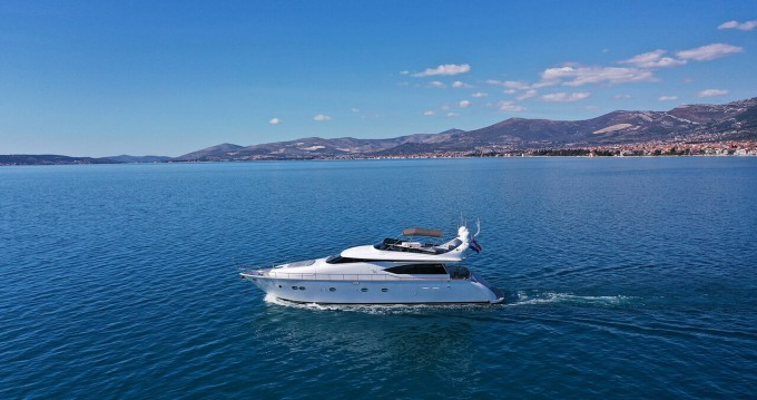 Rental yacht Kaštela - Maiora-Fipa-Group Maiora 20S - 5 cab. on SamBoat
