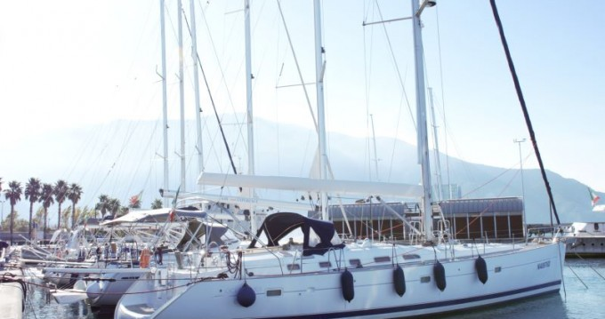 Rental Sailboat in Castellammare di Stabia - Bénéteau Oceanis 523 Clipper