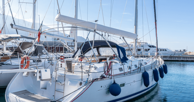 Bénéteau Oceanis 523 Clipper between personal and professional Castellammare di Stabia
