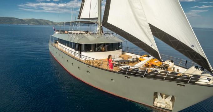 Boat rental Unknown M/S Rara Avis in Split on Samboat