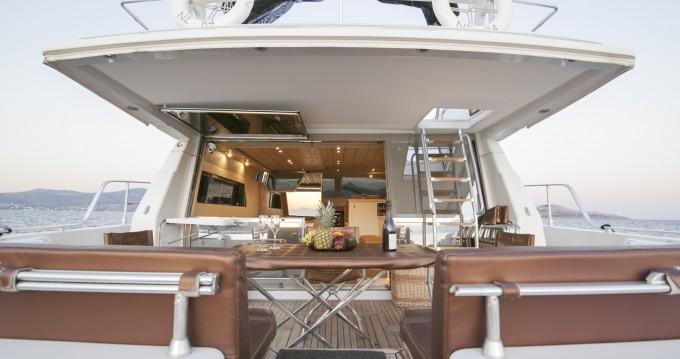 Rent a Ferretti Ferretti Yachts 58 Mykonos (Island)