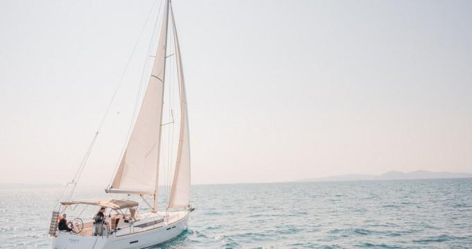 Rental Sailboat in Lefkada (Island) - Jeanneau Sun Odyssey 449