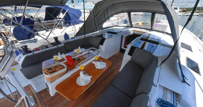 Boat rental Hanse Hanse 505 in Biograd na Moru on Samboat