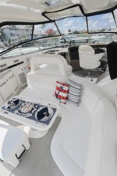 Boat rental Sea Ray Sea Ray 220 Sundancer in Fort Lauderdale on Samboat
