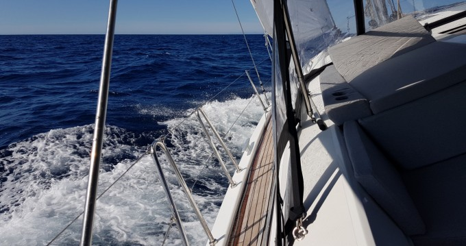 Rent a Bénéteau Oceanis 46.1 Saint-Cyprien